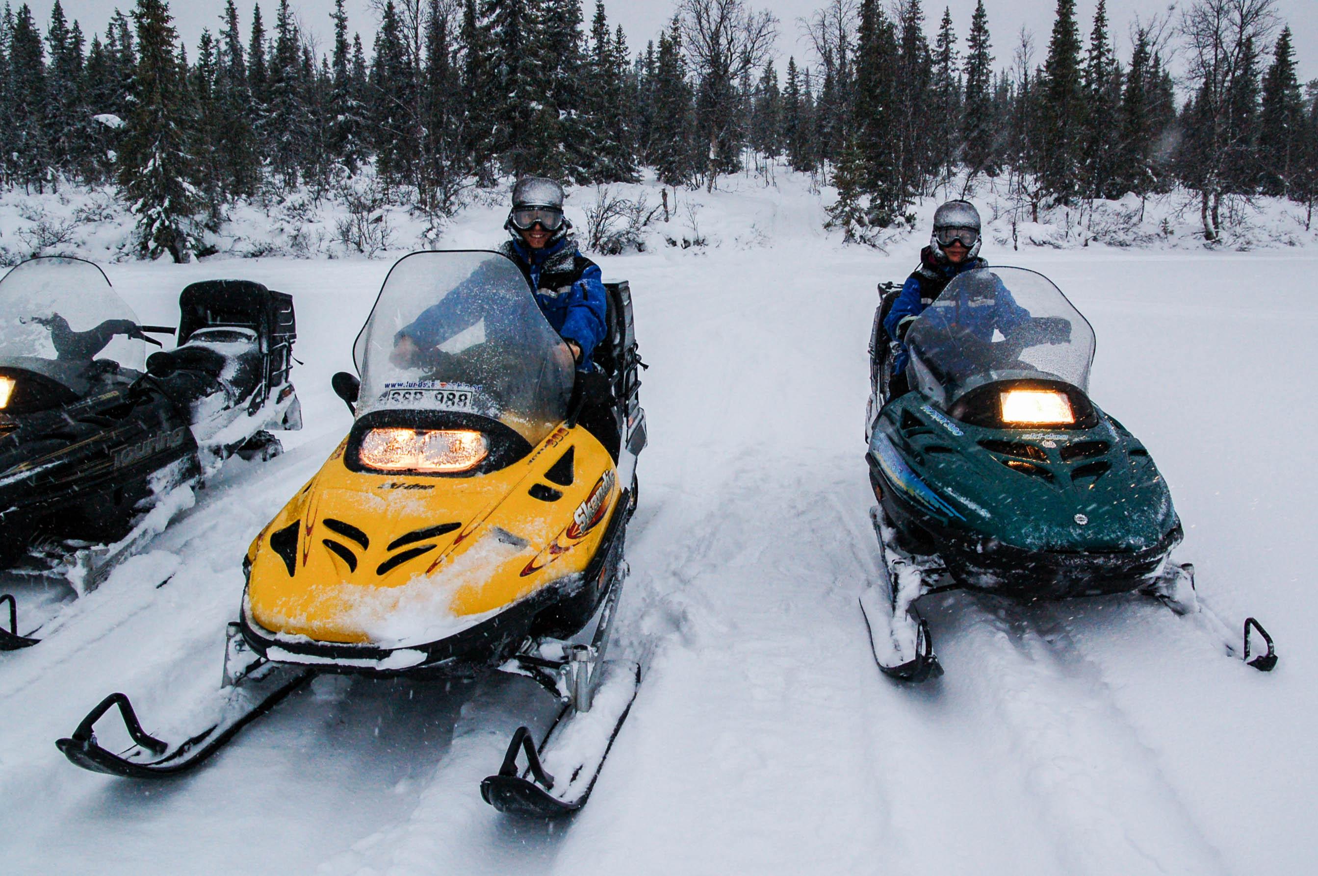 Schneemobilfahren bei Kiruna
