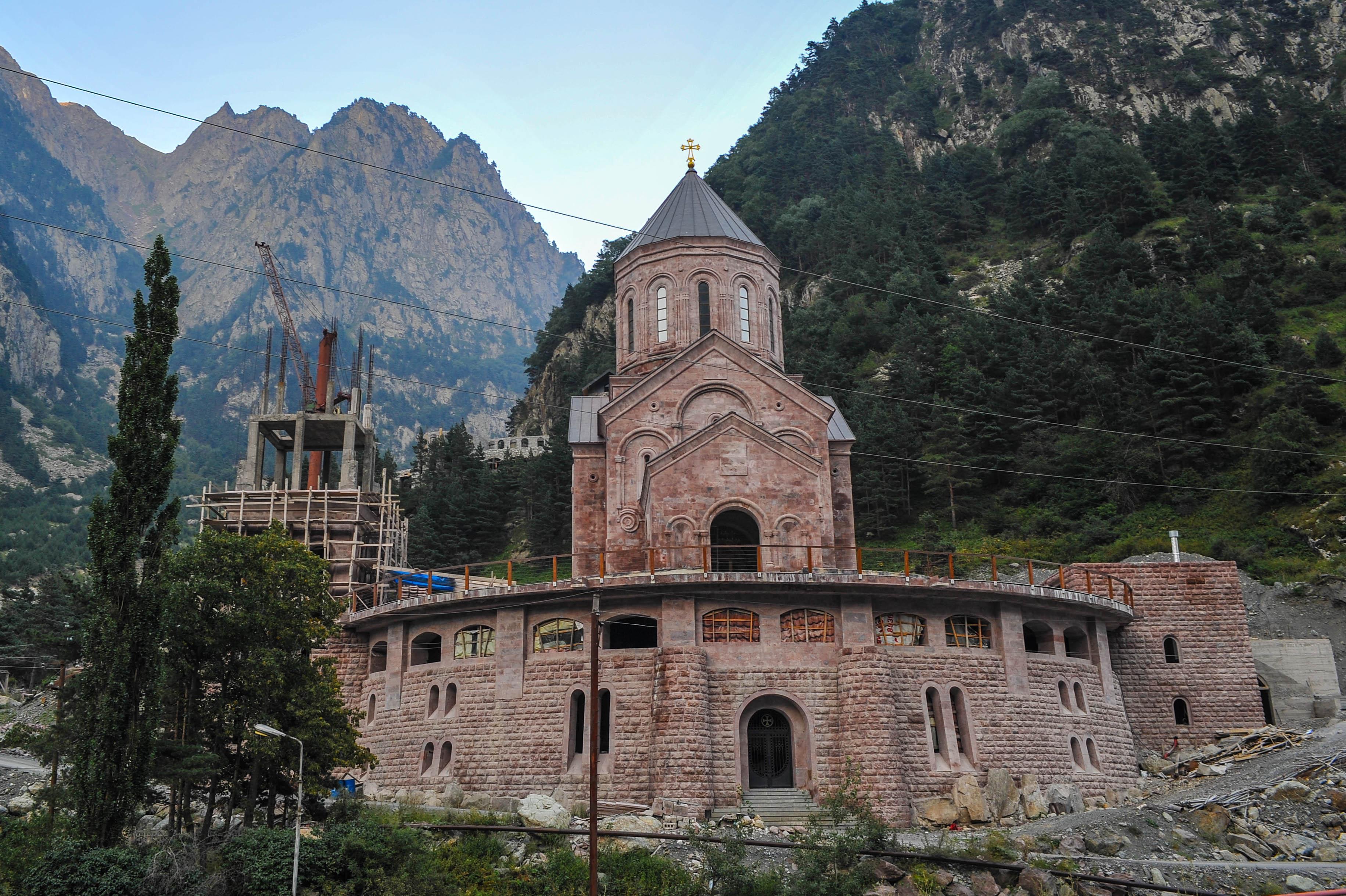 Dariali Kloster im Bau 2012