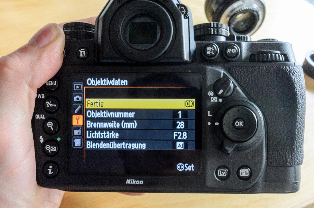 Nikon Df Objektivdaten des 28mm hinzufügen
